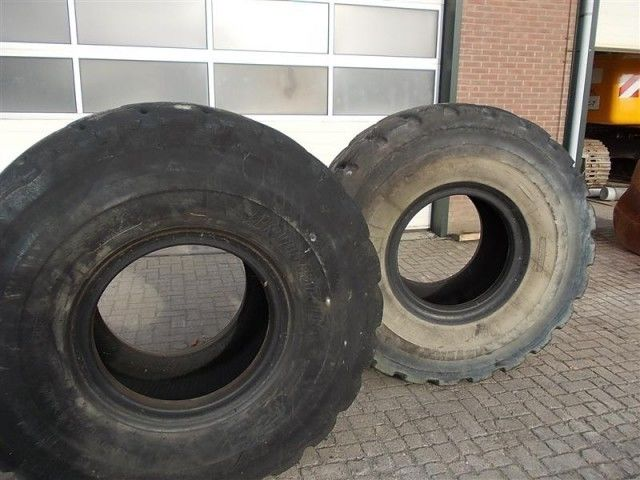 Bridgestone L5 23.50- 25.00 anvelopa incarcator frontal