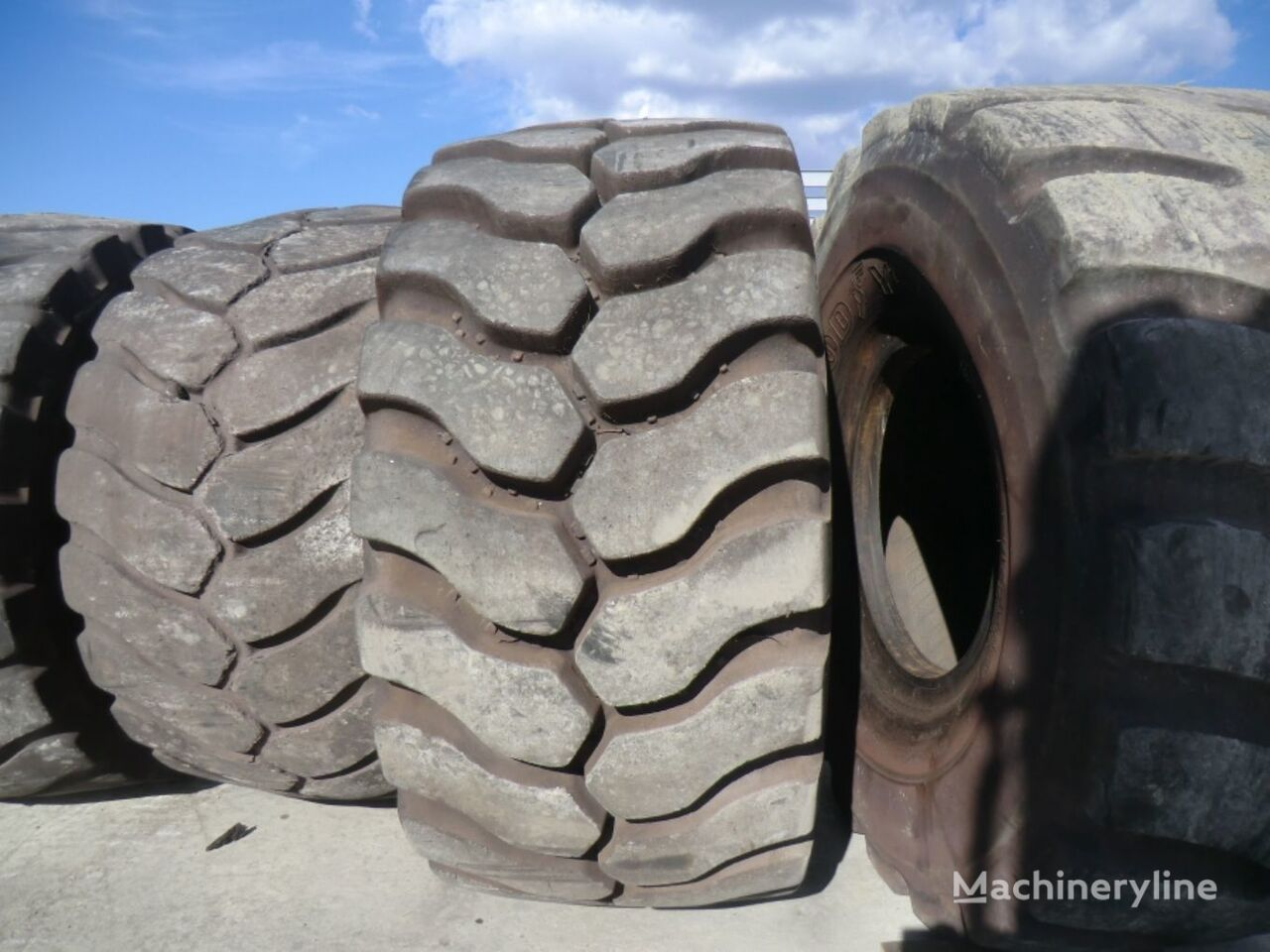 anvelopa pentru greder Michelin 35.65R33 TIRE