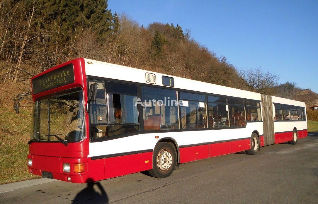 autobuz articulat MAN NG 272