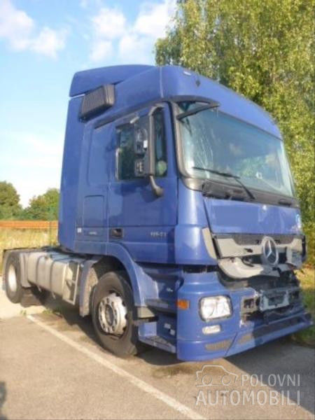 autotractor MERCEDES-BENZ Actros 1841 accidentate