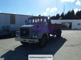 autobasculantă VOLVO N7 20 left hand drive 16 ton 3 way full springs