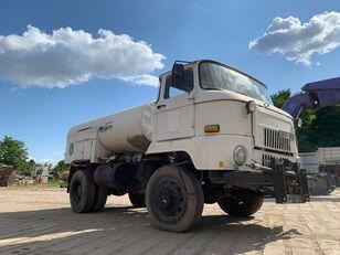 camion autocisterna IFA L 60 1218 4x4 DSK