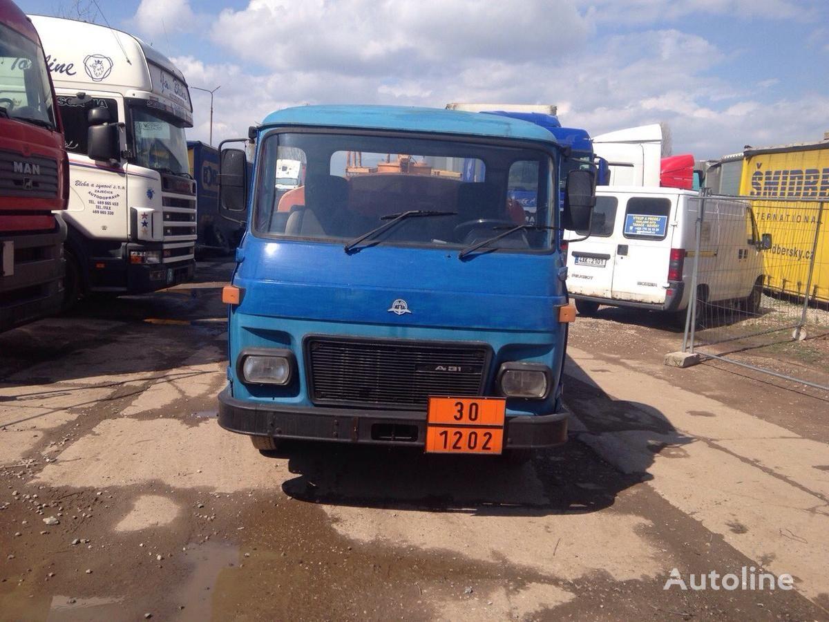 AVIA SPECIÁLNÍ AUTOMOBIL camion autocisterna