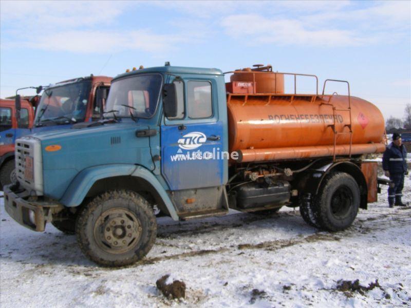 camion cisternă combustibil ZIL 4310