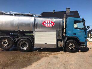 camion cisternă pentru transport lapte VOLVO FM