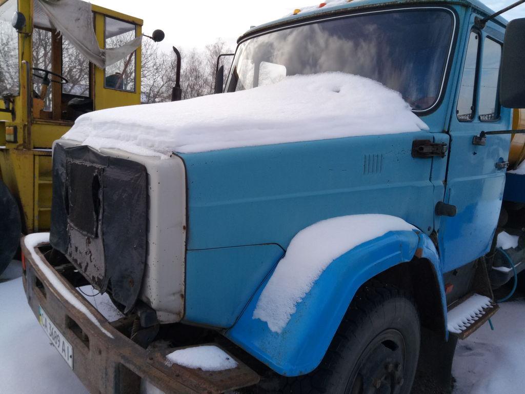 camion cisternă pentru transport lapte ZIL 433362