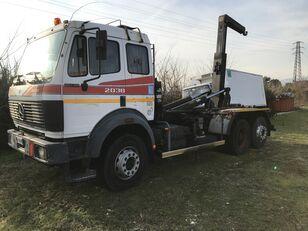 camion cu cârlig MERCEDES-BENZ 2038