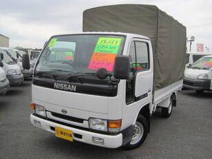 camion cu prelata NISSAN Atlas