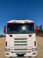camion platformă SCANIA R144 460