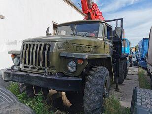 camion transport de lemne URAL HYAB