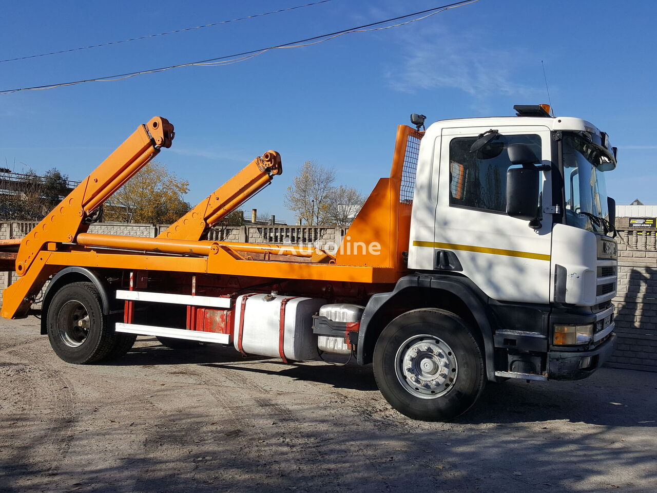 camion utilaj ridicare container gunoi SCANIA P94G
