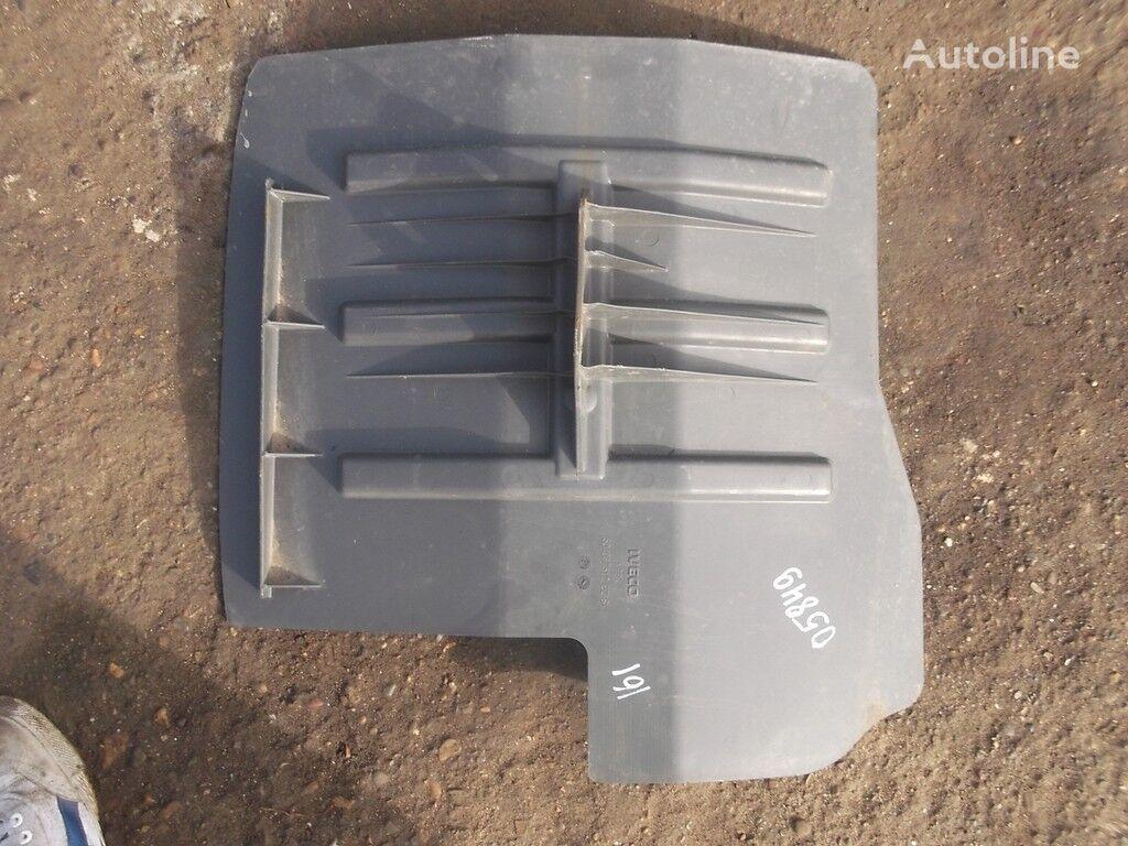 IVECO Podkrylok LH aparatoare noroi pentru IVECO camion