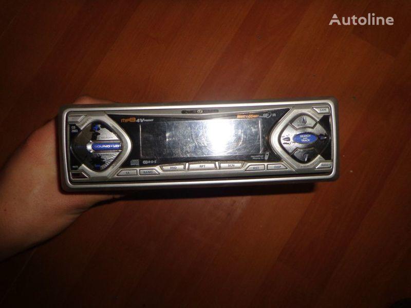 VDO Ayton. 12V. CD autoradio pentru autotractor