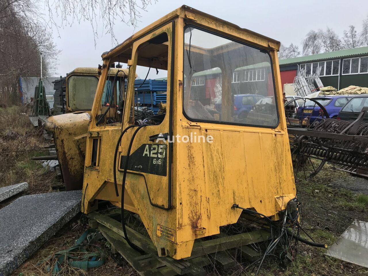 cabină CATERPILLAR pentru basculantă articulată CATERPILLAR a25