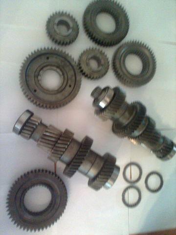 ZF 1328305014 / 1327304002 / 1328304061 / 1328304060 / 1327304024 1 cutie de viteze pentru MAN tga  camion