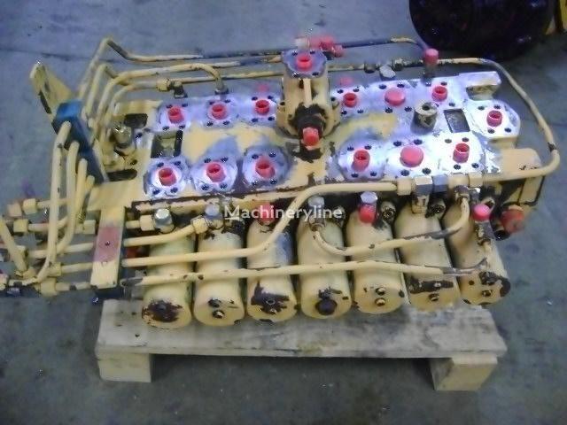 LIEBHERR Distributor distribuitor hidraulic pentru LIEBHERR 902 excavator