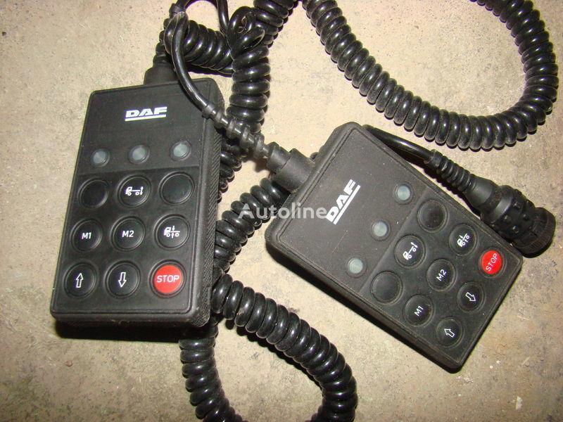 DAF 105XF remote control ECAS 1337230; 4460561290, 1657854, 1659760, 1669461, 1686733, 1690391, 1732019, 1780197, 1780200, 1792640, 1848360, 1851259, 1851261, 1851747, 1898313, 1898316, 1898317 panou cu dispozitive pentru DAF 105XF autotractor