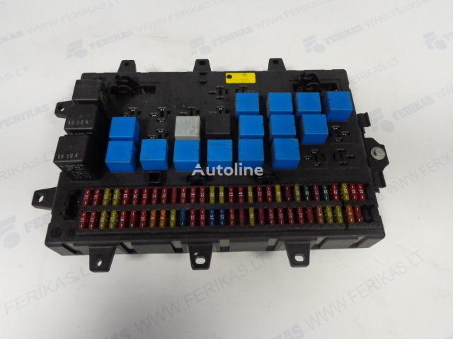 Fuse relay protection box  5010428876,5010231782,5010561943 panou de sigurante pentru RENAULT MAGNUM autotractor