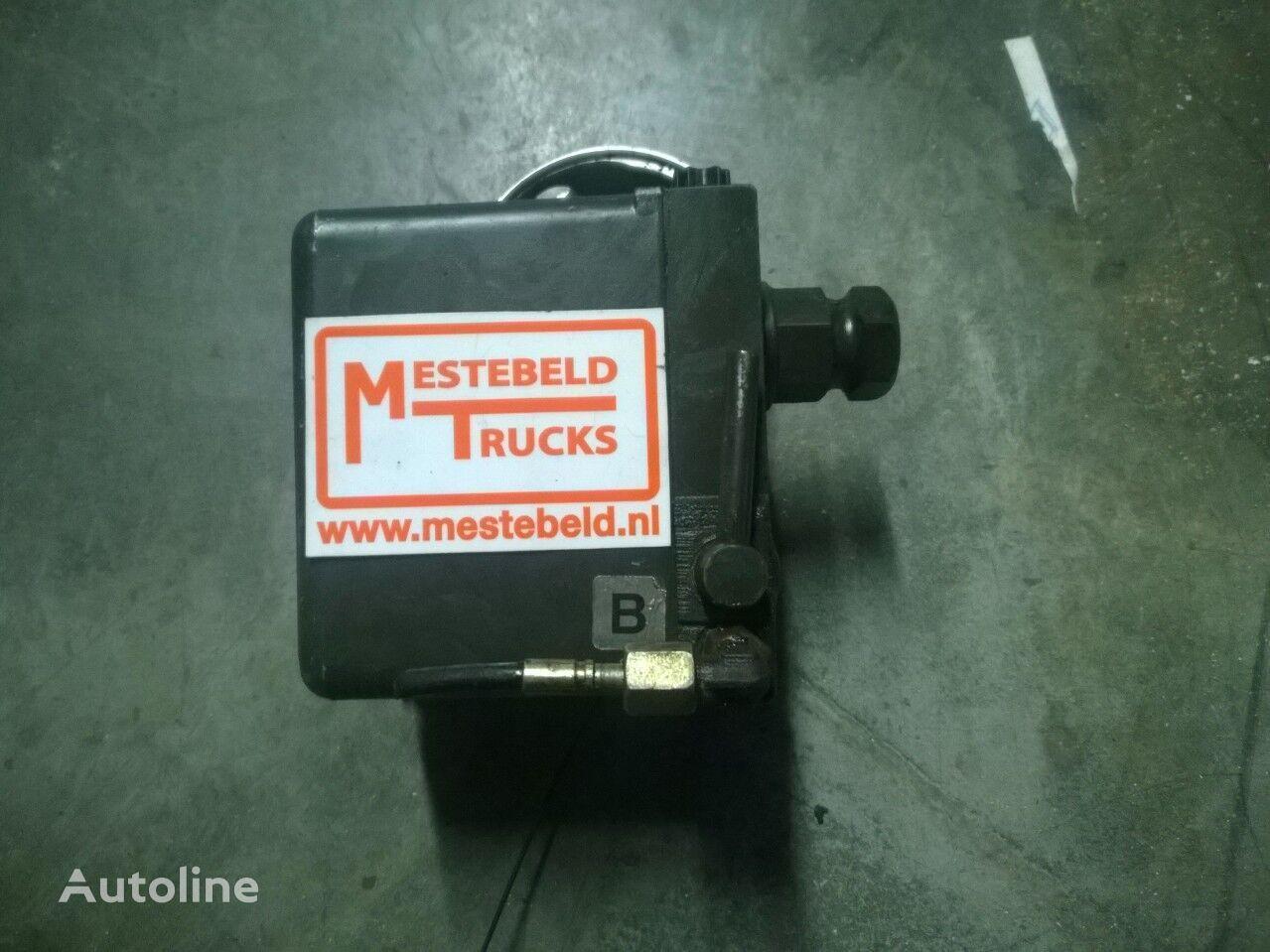 MERCEDES-BENZ pompă de ridicare a cabinei pentru MERCEDES-BENZ Cabinekantelpomp Actros autotractor