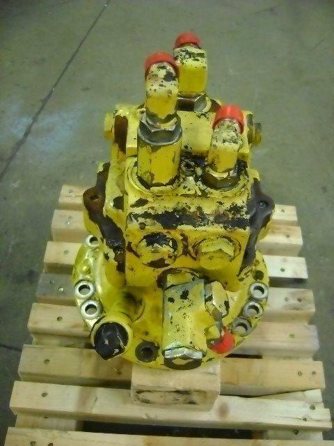KOMATSU Motore di rotazione reductor rotativ pentru KOMATSU PW 130 excavator