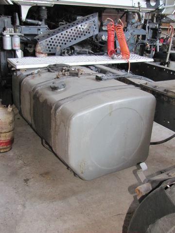 rezervor de combustibil pentru RENAULT MAGNUM autotractor