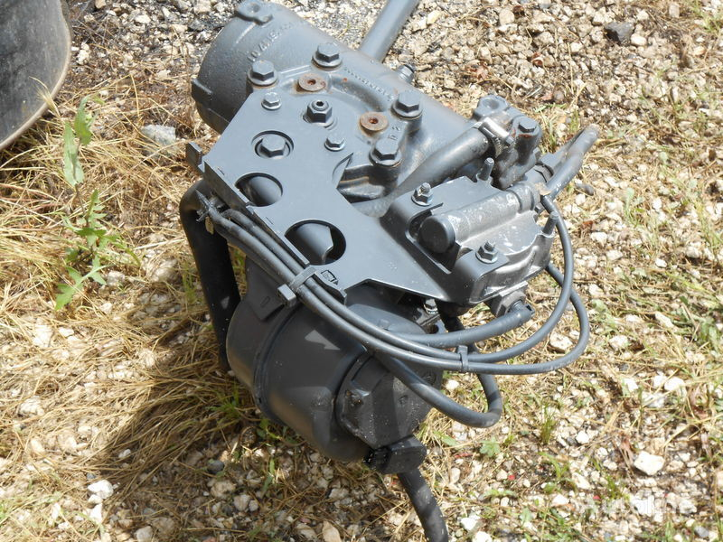 NR. 8099955612 IVECO TRAKKER 2/3/4/Achser STRALIS 2/3/4 Achser servodirecţie pentru IVECO TRAKKER AD/AT camion