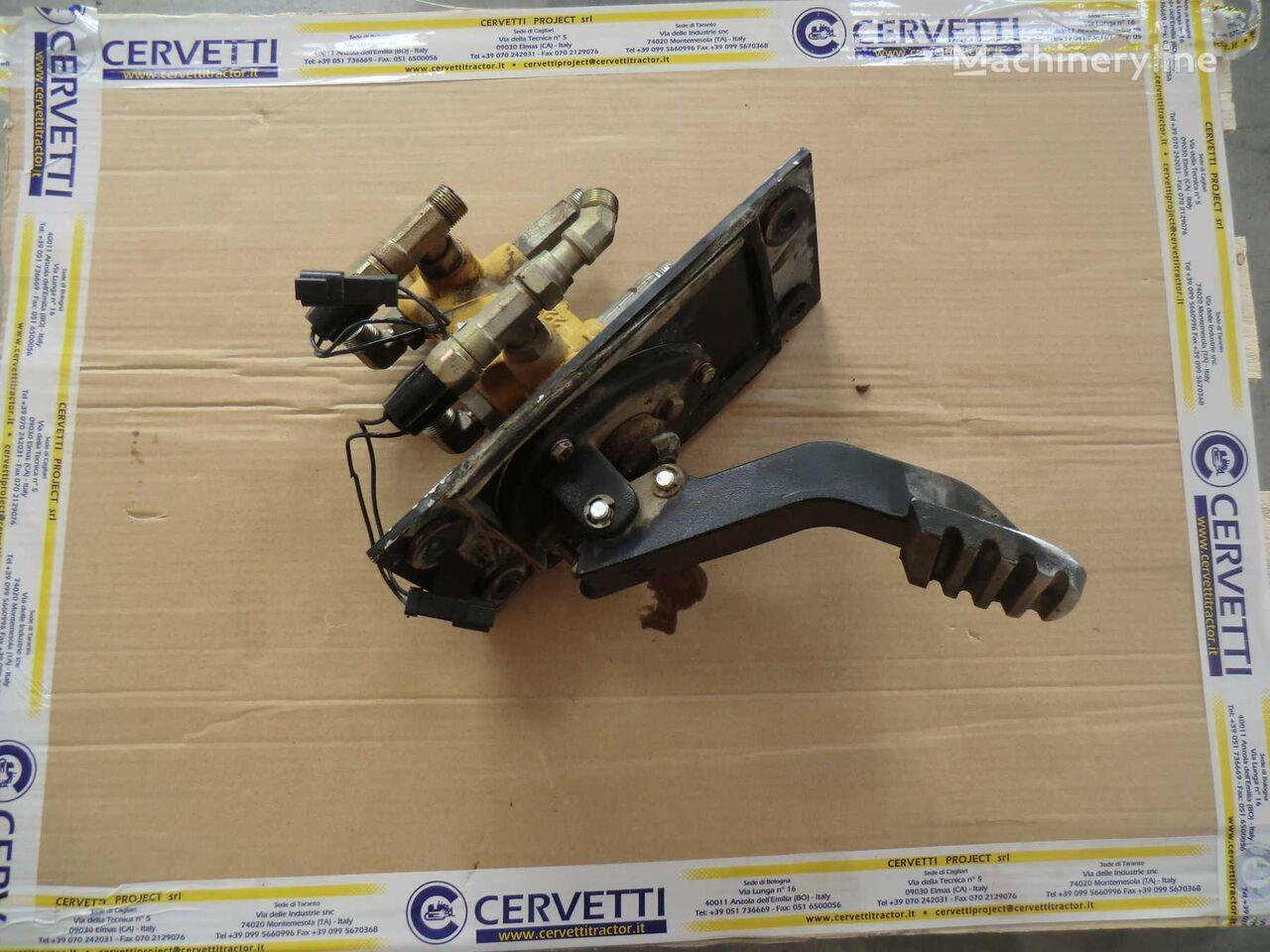supapă pneumatică BRAKE CONTROL VALVE GP pentru basculantă articulată CATERPILLAR 735 AWR00399