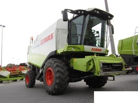 CLAAS 560 combină