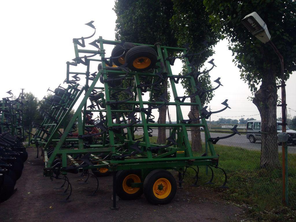 JOHN DEERE 960 - 12.0 m. cultivator