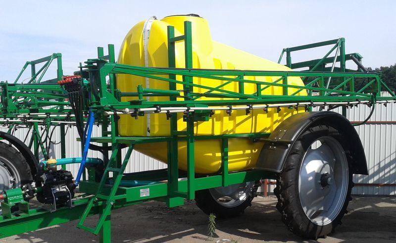 Vektor-3000/21 masina de erbicidat tractata nou