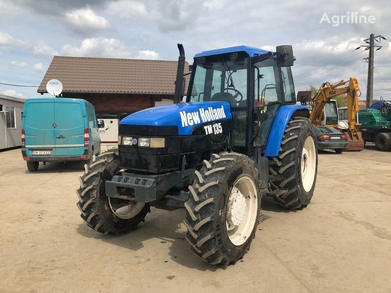 tractor cu roţi NEW HOLLAND M135