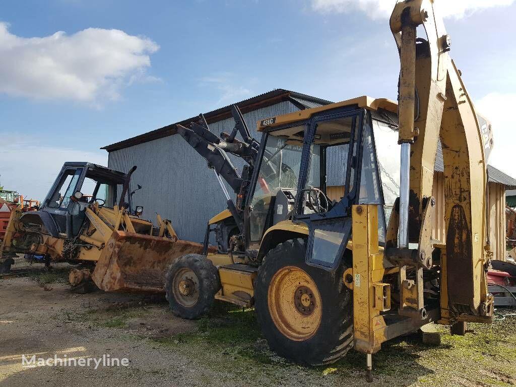 buldoexcavator CATERPILLAR 438C în bucăți