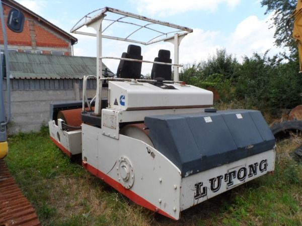 cilindru compactor pentru asfalt LUTONG YXC 12G