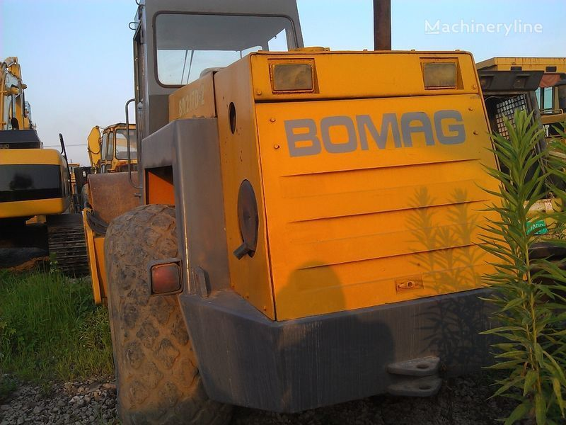 BOMAG BW217D-2 cilindru compactor pentru terasamente