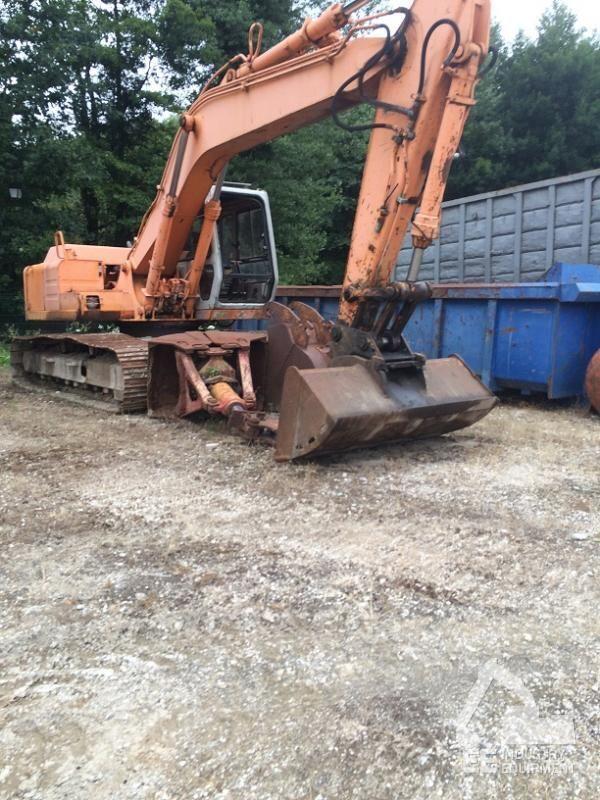 HITACHI FH 150 excavator cu lopata frontale