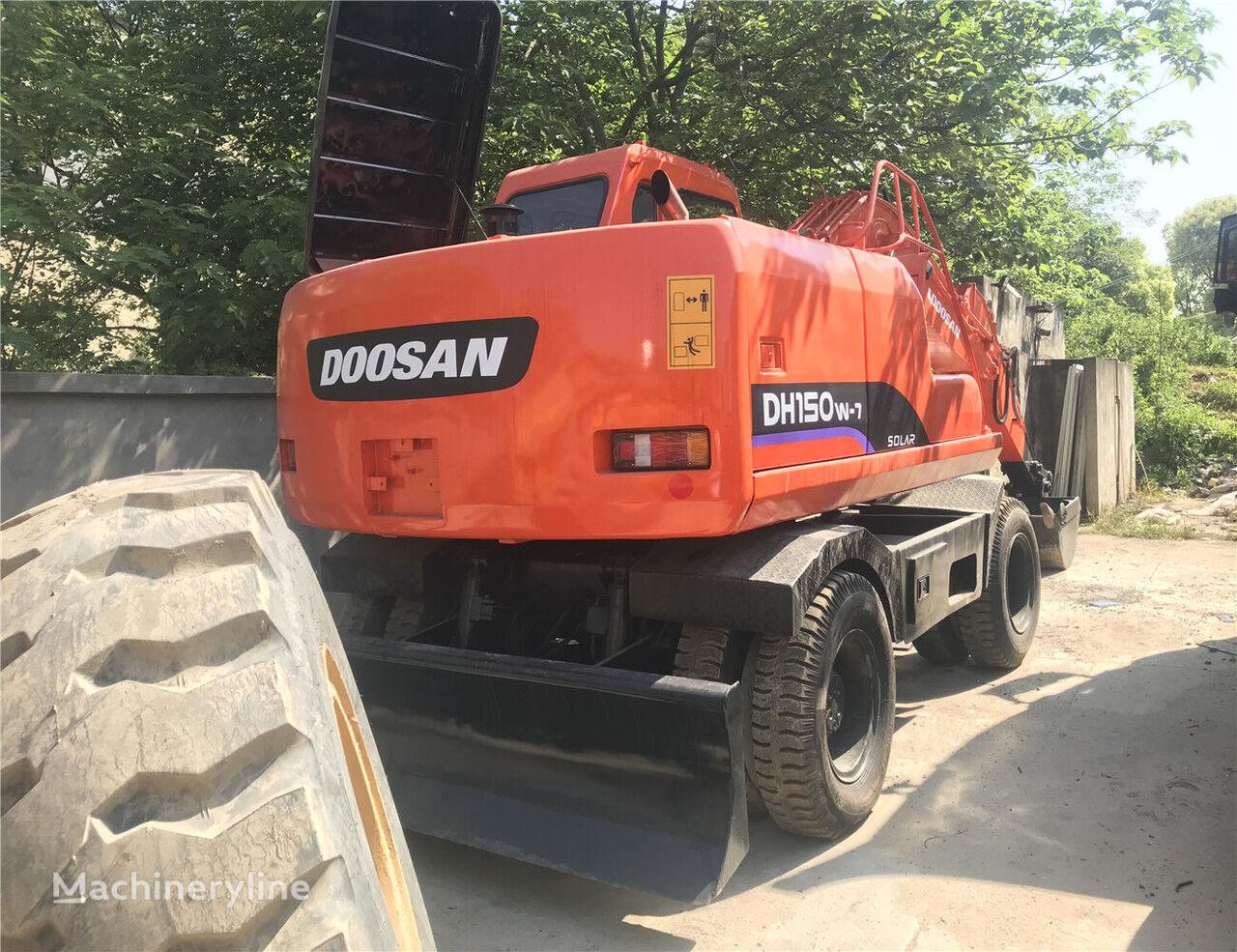 excavator pe roţi DOOSAN DH150W