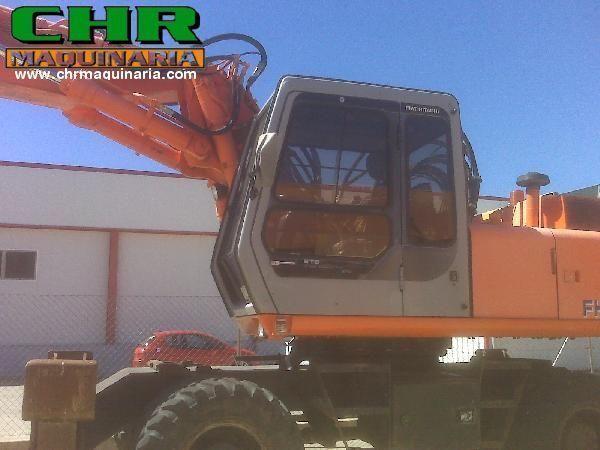 FIAT-HITACHI FH200W.3 excavator pe roţi