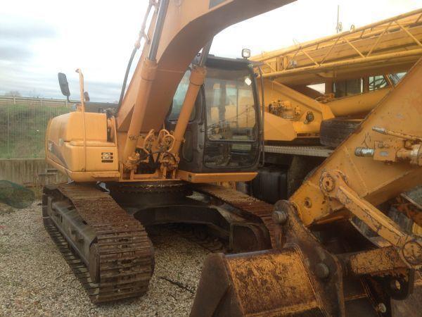 CASE CX 210  excavator pe şenile