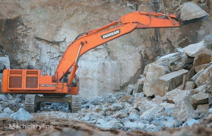 DOOSAN DX 700 excavator pe şenile