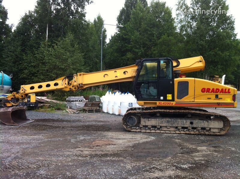 GRADALL XL4200II excavator pe şenile