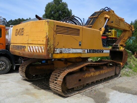 LIEBHERR R 942 HD-S  excavator pe şenile