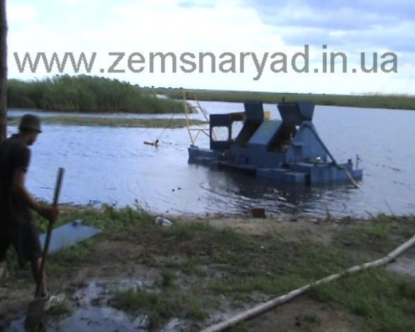NSS 60/23-D-GR mini zemsnaryad excavator plutitor