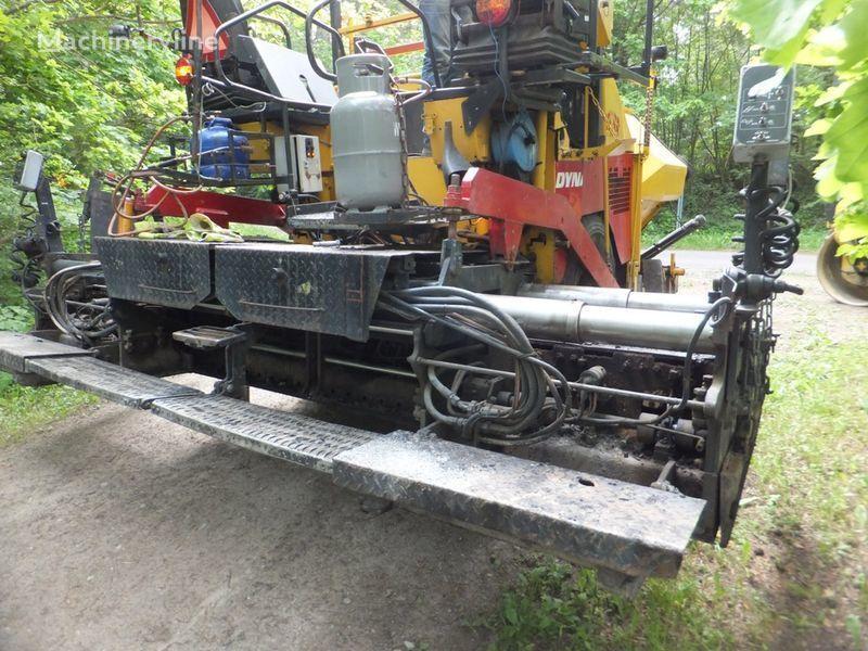 DYNAPAC F8-4W finisor asfalt pe roţi