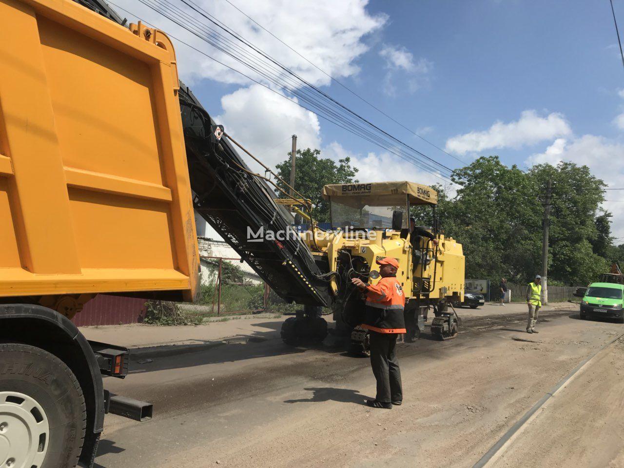 freze de asfalt BOMAG BM1300/30