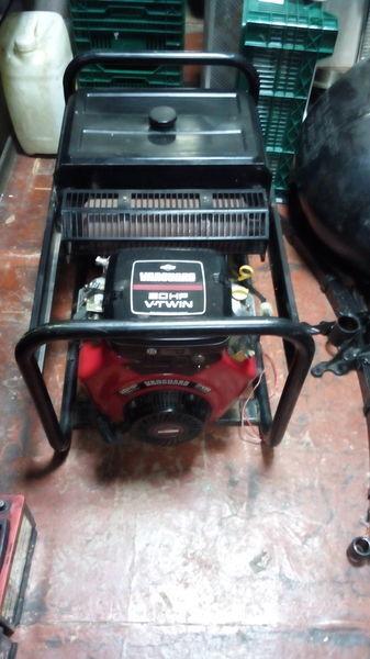 generator SDMO Briggs&Stratton Vanguard 570ccm 20HP V Twin