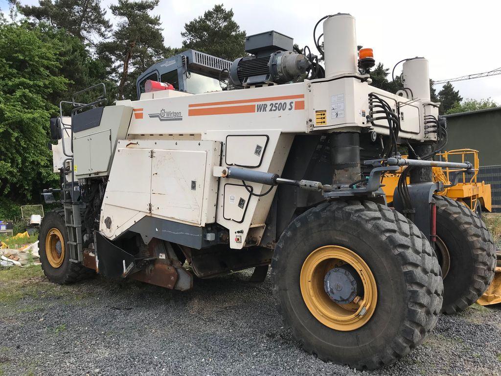 reciclare asfalt WIRTGEN WR2500