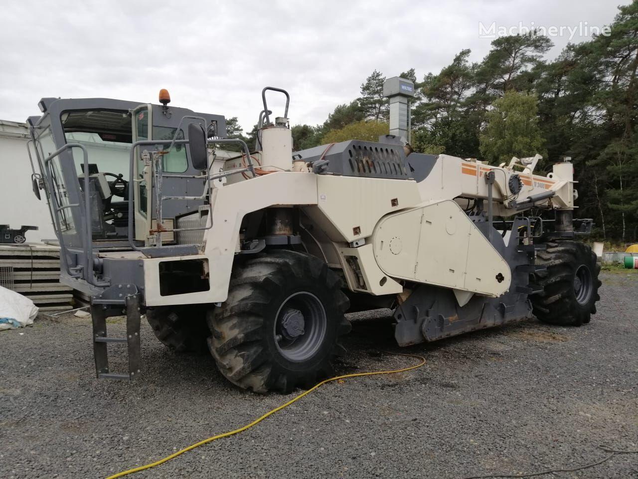 reciclator asfalt WIRTGEN WR2400