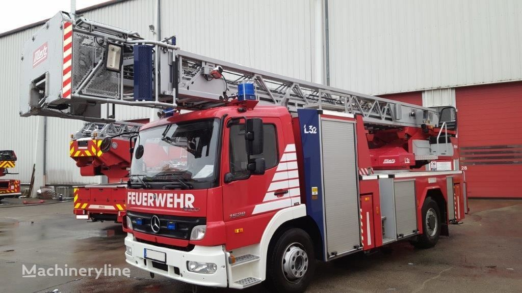 autoscara MERCEDES-BENZ F20136 Metz DLK 23-12 CAN-I L32 - Fire truck - Turntable ladder
