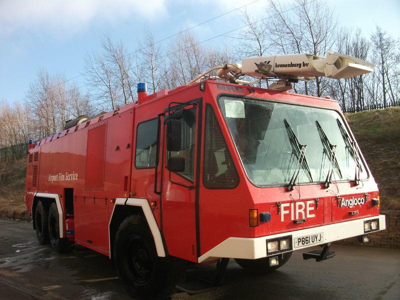 Angloco / KRONENBURG 6X6  autospecială de pompieri la aeroport