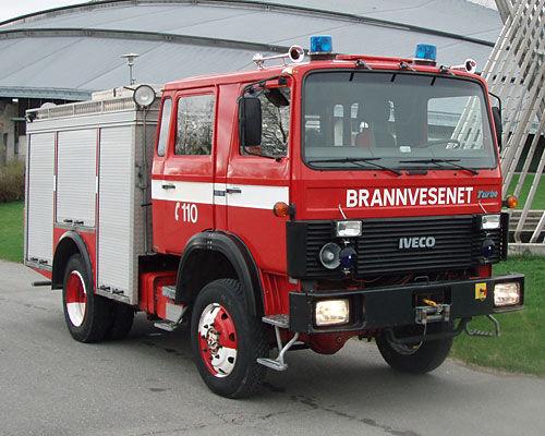 IVECO 80-16 4x4 WD mașină de pompieri